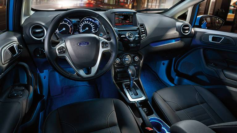 Ford-fiesta-2015-interior-6